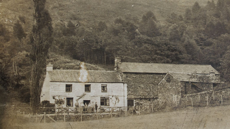 Crookey cottage at the turn of the 20th century
